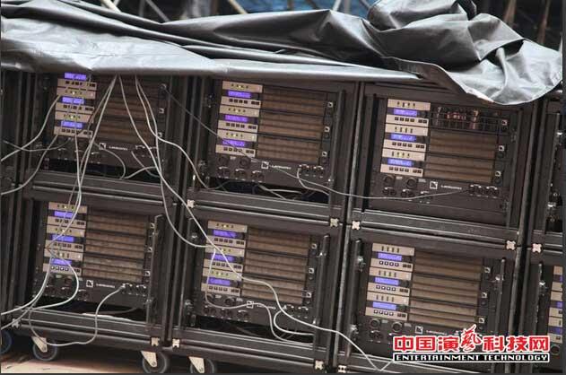 此外,现场的功率放大器全部采用l-acoustics 8,la8