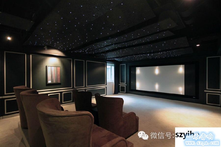 这套家庭影院最吸引人的当属可以随意调整颜色的灯光